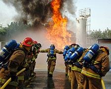 Curso de combate a incêndio em plataformas petróleo