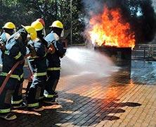 Curso prático de combate a incêndio