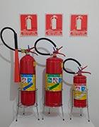 Sistema de combate a incêndio extintores